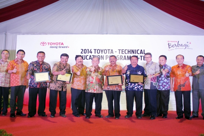 Wujud Komitmen Toyota Indonesia Terhadap Pendidikan Nasional Toyota - Technical Education Program 2014