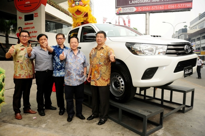 All New Toyota Hilux Pick-Up Tangguh Toyota Hadir di Kalimantan